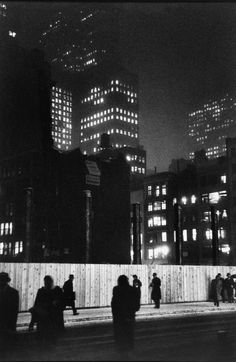 Louis Faurer - Construction Site on Madison Ave., New York, 1947 - Howard Greenberg Gallery