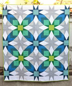 The Glenda Quilt Pattern (and scrap giveaway)