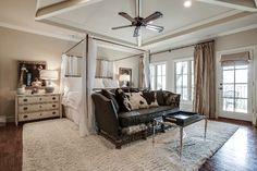 3617 University Boulevard, University Park, TX 75205. Kim Jacobs Calloway & Brenda Nelson I Doris Jacobs Real Estate.