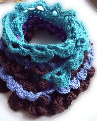 Multicolor structured scarf