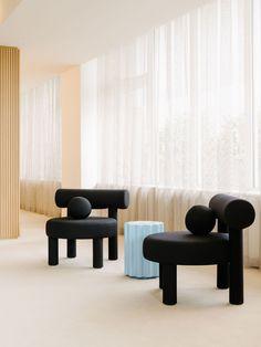 KaDeWe's Customer Service by Vanessa Heepen & Claire Wildenhues Custom Furniture, Furniture Design, Central Table, Mim Design, Berlin, Pastel Interior, Hybrid Design, Urban, Commercial Interiors