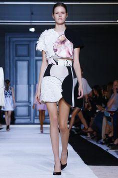 Giambattista Valli Ready To Wear Spring Summer 2015 Paris
