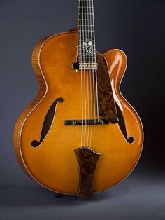 Comins Archtop Acoustic Jazz Guitar w/floating Pickup