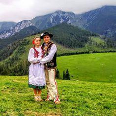 Media by - Zo ❤️ k folklóru 🙏😍🎻 od 📷 Heart Of Europe, Folk Dance, Folk Music, Folk Costume, Hipster, Country, Beautiful, Instagram, Girls
