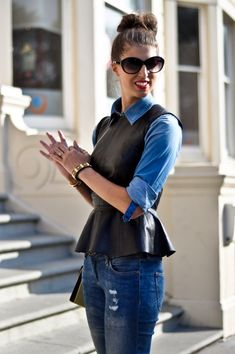 Double denim and leather peplum - complete with a colourful shoulder bag Cute Outfits With Jeans, Stylish Outfits, Cool Outfits, Summer Outfits, Leather Trousers Outfit, Leather Peplum Tops, Leather Jeans, Peplum Shirts, Denim Shirt