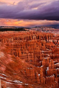 Sunrise in Bryce Canyon National Park, Utah. Bryce Canyon is such a breathtaking place to see. When I worked in Utah Bryce Canyon, Canyon Utah, Grand Canyon, Arches Nationalpark, Yellowstone Nationalpark, North Cascades, Photos Voyages, Us National Parks, Le Far West