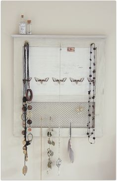 homemade jewellery board - neat!