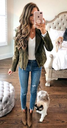 Olive suede jacket from the Nordstrom Anniversary Sale. I NEED IT,Olive suede jacket from the Nordstrom Anniversary Sale. I NEED IT Source. High Heels Outfit, Heels Outfits, Mode Outfits, Fashion Outfits, Ankle Boot Outfits, Outfits With Boots, Womens Fashion, Vest Outfits, Black Outfits