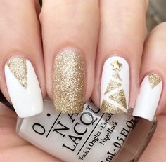Glittery golden Christmas nails - winter nails, winter nails nails colors january nails new year nails new years nails, 2019 gel nails, nails 2019 trends, nails art nails near me Xmas Nails, New Year's Nails, Holiday Nails, Pink Nails, Christmas Manicure, Holiday Makeup, Nagellack Design, Christmas Nail Art Designs, Nails 2018
