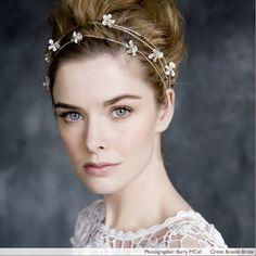 http://perfectweddings.info/wp-content/uploads/2011/11/bridal_zoe_clark_makeup_artist_main_image.jpg