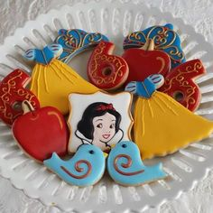 Snow White Birthday Party | CatchMyParty.com: Cookies