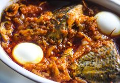 Garden egg stew is one of the most popular stews in Ghana. It has the African egg plant commonly known. African Stew, West African Food, Ghanaian Food, Nigerian Food, Nigerian Stew, Vegetarian Recipes, Cooking Recipes, Vegetarian Vietnamese