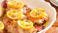 Aprenda essa receita de frango assado temperado com MAGGI® Tempero e Sabor Aves, limão-siciliano e tomilho