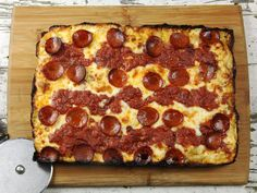 The Food Lab: Detroit-Style Pizza Is the Best Thing You're Gonna Make This Year — Serious Eats Detroit Style Pizza Recipe, Detroit Pizza, Flan, Pizza Recipes, Cooking Recipes, Skillet Recipes, Cooking Tools, Casserole Recipes, Bread Recipes