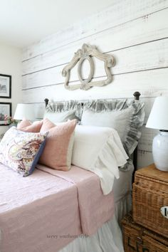 Savvy Southern Style: Pink and Gray Guest Bedroom