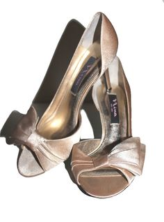 "NINA NEW YORK Champagne Satin Bow Open Toe Stiletto Prom Bridal 3"" Heels  37 / 7 #Nina #Stilettos #SpecialOccasion"