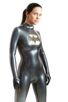 Sexy Latex Batgirl cosplay  (vivolatino.com pinterest)