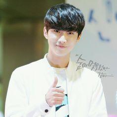 B1A4_JINYOUNG