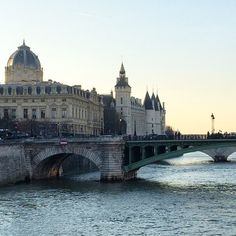 Romantic Paris: Celebrate Valentine's Day in the City of Love