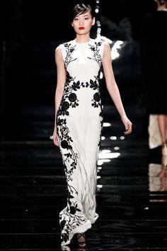 Vestido longo branco e preto