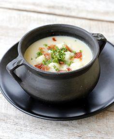lindastuhaug | Blomkålsuppe med bacon Cheeseburger Chowder, Bacon, Food And Drink, Gluten, Dinner, Eat, Ethnic Recipes, Soups, Dining