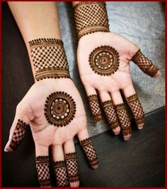 Check out the 60 simple and easy mehndi designs which will work for all occasions. These latest mehandi designs include the simple mehandi design as well as jewellery mehndi design. Getting an easy mehendi design works nicely for beginners. Henna Hand Designs, Circle Mehndi Designs, Round Mehndi Design, Mehndi Designs Finger, Mehandi Design For Hand, Palm Mehndi Design, Mehndi Designs For Girls, Mehndi Designs For Beginners, Mehndi Designs For Fingers