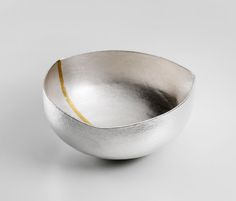 Marion Kane - Triangle Flash bowl in silver and 24ct gold