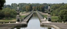 Briare – Située dans le Loiret (45). #ValdeLoire #LoireValley