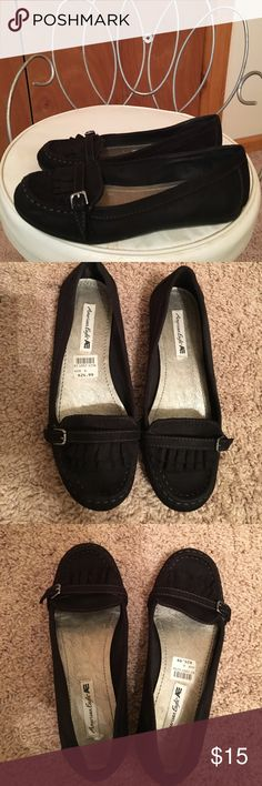 Like new American Eagle flats🦅 Black flats in great preowned condition size 6 gorgeous 😍❤️ American Eagle by Payless Shoes Flats & Loafers