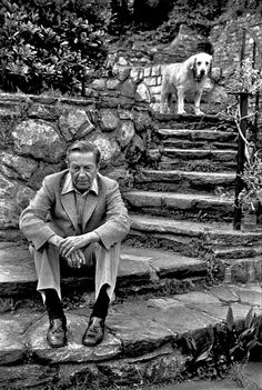 """""""I can't write without a reader. It's precisely like a kiss—you can't do it alone."""" —  John Cheever, who was born on this day in 1912  """"No puedo escribir sin un lector; es como besarse, no puedes hacerlo solo"""" ¡Feliz cumpleaños, John Cheever!"""