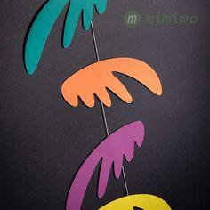Závěsná dekorace Pestrá křídla malá zelená. #montessori #zavesnadekorace #deti #bydleni #interier #mimimo #detskypokoj Mobiles, Montessori, Instagram Posts, Mobile Phones