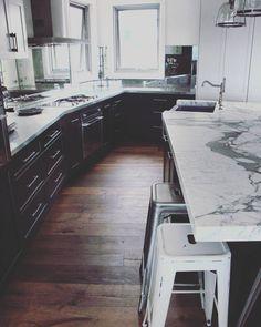 Kitchen Oak floor Corner Desk, Kitchens, Flooring, Furniture, Home Decor, Corner Table, Decoration Home, Room Decor, Kitchen