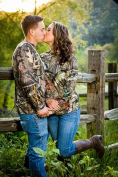 Country engagement pictures camo hunting outdoors duck hunting country engagement pictures barn engagement pictures southern engagement pictures southern engagement photography cheyanne and aj arkansas and oklahoma engagement photographer Country Couple Pictures, Country Engagement Pictures, Country Couples, Couple Picture Poses, Poses For Pictures, Cute Couple Pictures, Wedding Pictures, Engagement Photos, Couple Photos