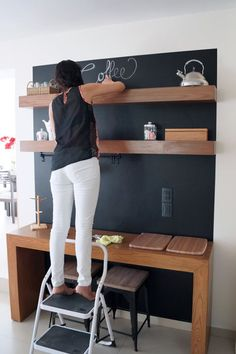 Before and after: Amazing chalkboard coffee bar « Dekoration Garden Woody Packe. - Before and after: Amazing chalkboard coffee bar « Dekoration Garden Woody Packer Coffee Bars In Kitchen, Coffee Bar Home, Home Coffee Stations, Coffee Corner, Coffee Bar Design, Bar Seating, Coffee Shops, Coffee Lovers, Küchen Design
