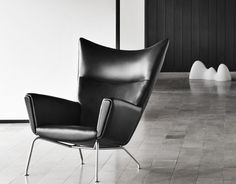 CH445 Lounge Chair by Hans Wegner. Beautiful design.