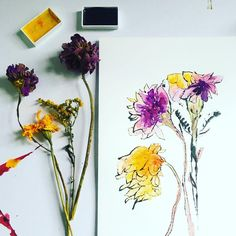 A new life for the flowers that I got in the farmers market a couple of weeks ago. This is a monoprint of the blind contour drawing I did at the time… The flowers have dried but I love them anyway. Happy Saturday! ❤️ . #driedflowers #monoprint Art Floral, Blind Contour Drawing, Contour Drawings, Arts Ed, Balloons, Air Balloon, Dried Flowers, Art Inspo, Flower Art