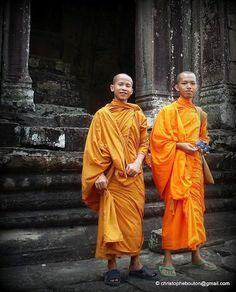 Buddhist monks - Cambodia Buddhist Monk, Buddhist Temple, Angkor, Tibet, Asian Tapestries, Laos, Thai Art, The Monks, Nepal