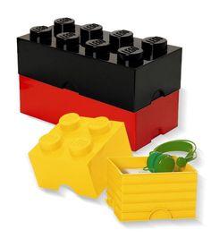 Vierer-Abwehrkette wie sie im Buch steht. Die schönen überdimensionalen Lego-Bausteine der Firma Room-Coppenhagen sind einfach wunderbar. Die Einsatzmöglichkeiten der Box sind so vielfältig und kreativ wie unsere Bauwerke aus der Kindheit. Mauern Sie, bauen Sie, ergänzen Sie, nehmen Sie auseinander …