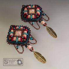 Betty Stephan USA  Czech Pyramid Beads, Tri Beads