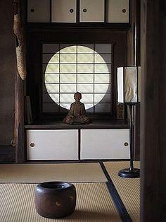 Rakushisya - Entry with Tokonoma. Saga, Ogurayama, Ukyo-ku, Kyoto, Japan.