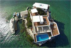 A Vila na Rocha Dunbar é um paraíso para os mergulhadores, construída sobre uma rocha, cercada por águas cristalinas e da bela barreira de arrecifes Mesoamericanos. Não é apenas um resort - é um destino para féri