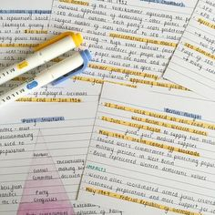 "urjareads: ""I'm making summary flashcards on the GDR for history; just trying to start the Christmas holiday off as productive as possible! """