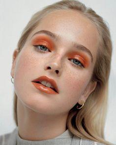 Orange Makeup, Blue Eye Makeup, Eyeshadow Makeup, Makeup Art, Makeup Tips, Hair Makeup, Makeup Ideas, Eyeshadow Palette, Orange Eyeshadow Looks