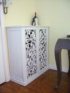 Make a shoe cabinet. Repurpose with screen?