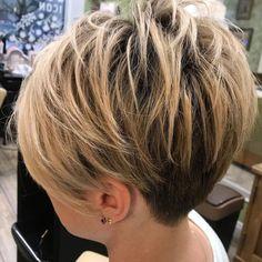 Undercut Pixie For Fine Hair Funky Short Hair, Short Choppy Hair, Short Thin Hair, Short Hair With Layers, Short Hair Cuts For Women, Short Hair Styles, Choppy Layers, Short Cuts, Stacked Haircuts