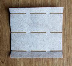 J'aurais tout aussi bien pu appeler cet article «Le 1er jour du reste de ma vie de créatrice de sac» mais ça n'aurait pas été très parlant! Aujourd'hui, je m'adresse aux cousettes, c… Stitch Patterns, Sewing Patterns, Small Blankets, Different Stitches, Techniques Couture, Couture Sewing, Crochet Round, Crochet For Beginners, Learn To Crochet