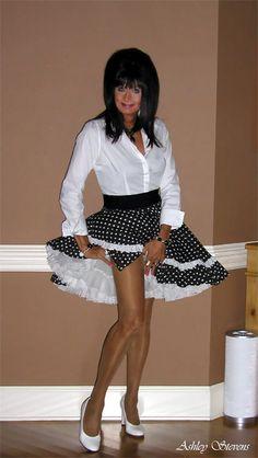 Fembois, Transgender Girls, Girl Celebrities, Blouse And Skirt, Rock, Girls Be Like, Tgirls, Crossdressers, Looking For Women