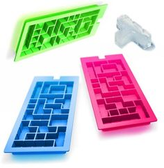 "What better way to keep your ""on the rocks"" cocktails chilled but with some whimsical Tetris block ice cubes? Given the heritage of Tetris, it's only Cool Kitchen Gadgets, Cool Gadgets, Cool Kitchens, Kitchen Stuff, Ice Cube Molds, Ice Cube Trays, Ice Cubes, Ice Tray, Geek Gadgets"
