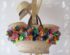 diy panier plage My Bags, Purses And Bags, Tshirt Garn, Diy Sac, Boho Bags, Basket Bag, Summer Bags, Vintage Bags, Cloth Bags