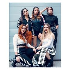 Striped Pants, Victoria, Poses, Billie Eilish, Fashion, Best Friend Photos, Bffs, Nice Photos, Stars
